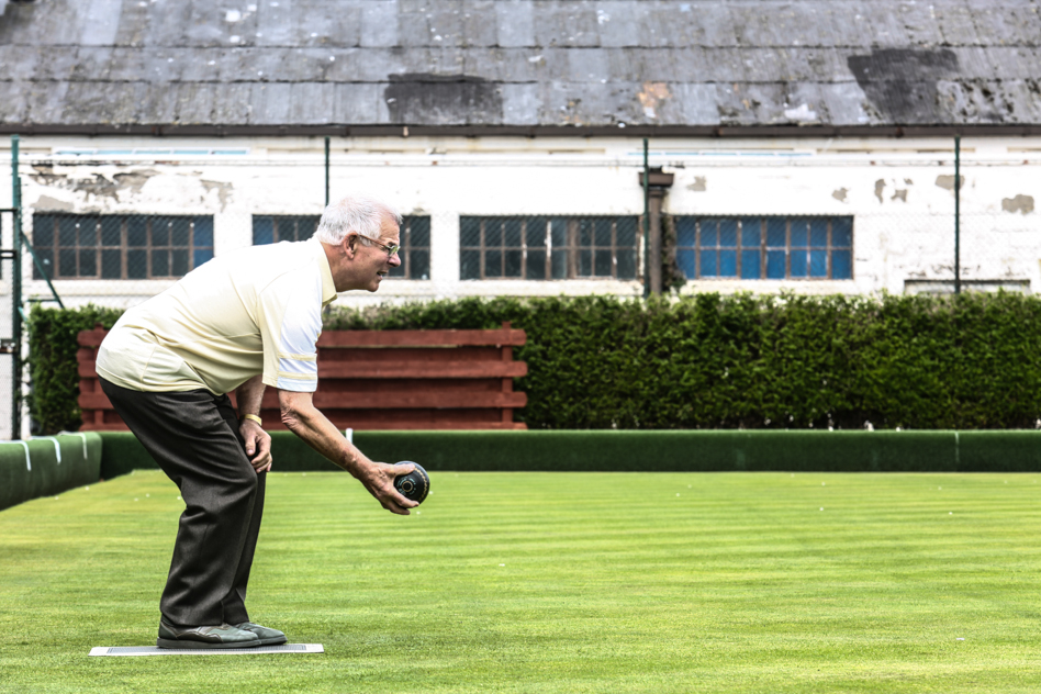 Man playing bowls